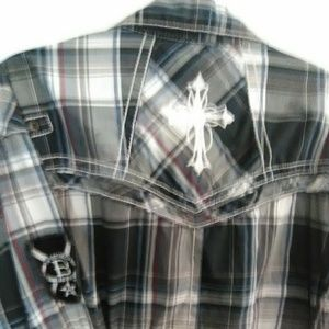 Buckle black shirt